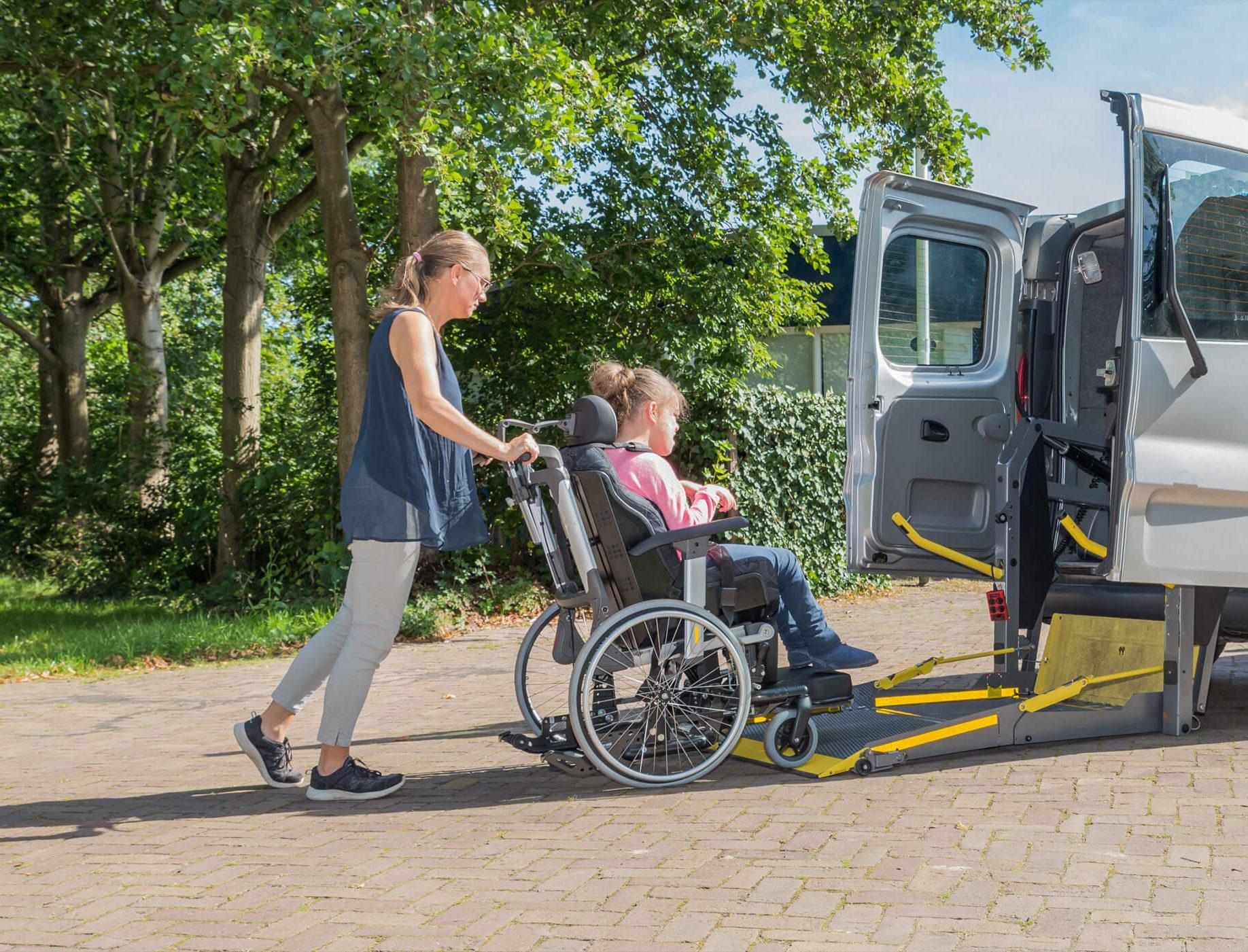 zittend vervoer rolwagenvervoer sint-niklaas